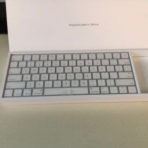 apple Other - New in box apple magic keyboard